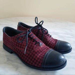 Camper Red Plaid Lace Up Oxford Flats